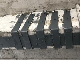 梁底粘钢加固施工